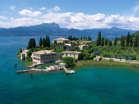 Lake Garda from Sirmione to Malcesine